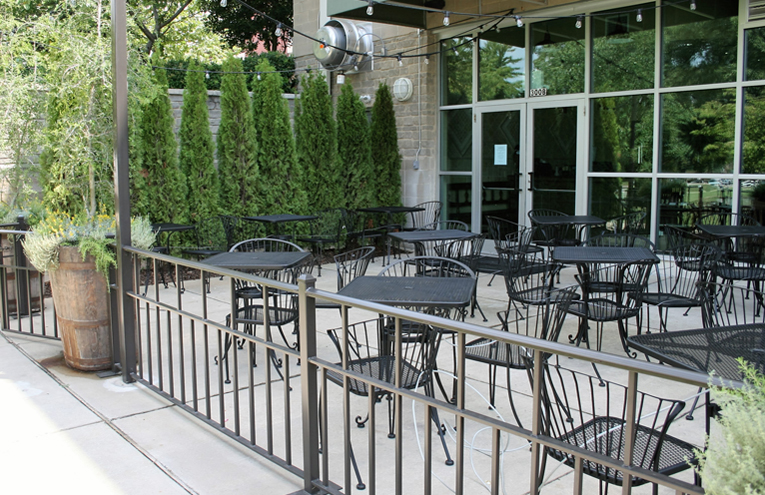 Restaurant-outdoor-seating